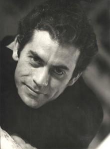 León se hizo un álbum de actor cuando era más joven.