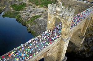 Los vecinos de Alcántara formaron una cadena humana. / Foto: Facebook Alcántara Mejor Rincón 2014
