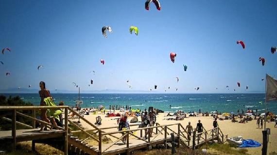 Tarifa acoge la novena edición del campeonato del mundo de kitesurf