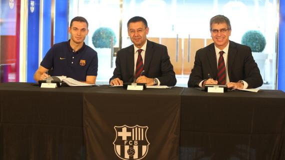 Thomas Vermaelen firma con el Barcelona por cinco temporada