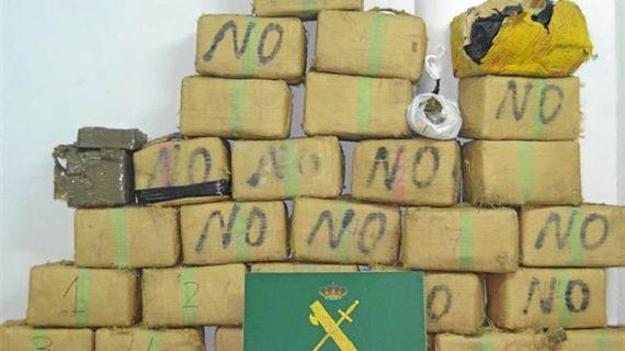 Desmantelan una organización que introducía droga en Canarias
