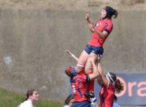 Las chicas han logrado imponerse al equipo de Samoa. / Foto: www.ferugby.es/