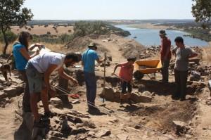 Excavación arqueológica en El Castillón.