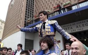 El diestro José Garrido salió a hombros. / Foto: Twitter @garridojm