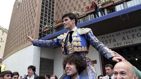 José Garrido da un recital de toreo en la matinal de Bilbao