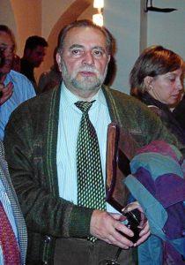 Julio Anguita se recupera de la operación. / Foto: Wikipedia Commons / Ateneo de Córdoba