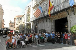 Concentración en solidaridad con la mujer asesinada. / Foto: Europa Press