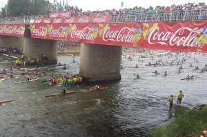 Deportistas y turistas disfrutan de la competición. /  Foto: www.turismoasturias.es