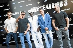 Stallone y Banderas con otros actores del reparto de 'Los Mercenarios'. / Foto: Starlite 2014