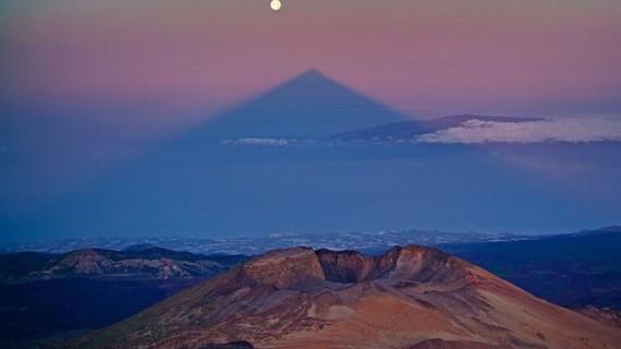 La sombra del Teide se alineará el domingo 10 de agosto con la 'SuperLuna'