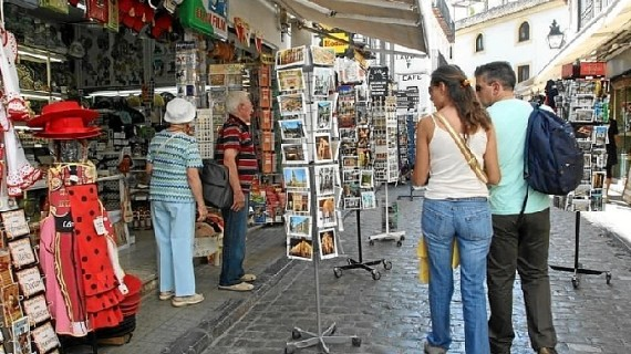 España cierra 2014 con el mayor aumento de turistas extranjeros en los últimos 14 años