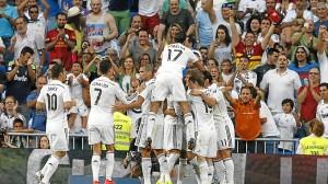 El Real Madrid festeja uno de los cinco goles