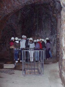 En el Parque Minero de Almadén los visitantes pueden bajar a la mina en una jaula. /  Foto: www.turismoindustrial.es