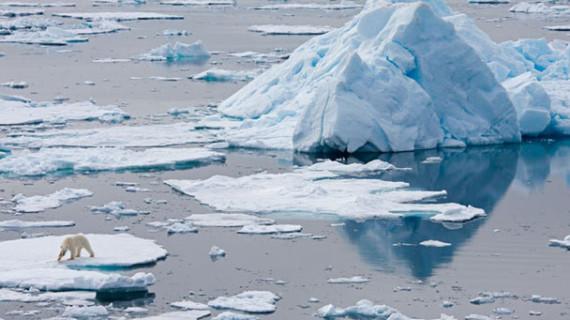 Una decena de alcaldes españoles firma por la protección del Ártico