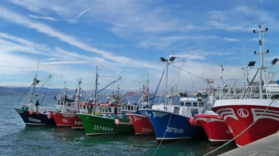 España logra sus objetivos en la negociación de los TAC y cuotas de pesca para 2015
