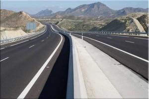 Buscan soluciones a la deuda de las autopistas. / Foto: Autocosta