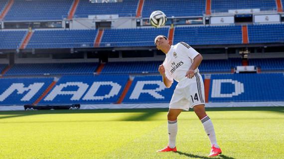 Javier 'Chicharito' Hernández jugará esta temporada en el Real Madrid