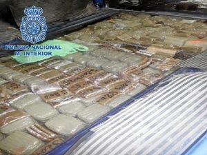 La droga había sido escondida en el doble fondo del maletero.