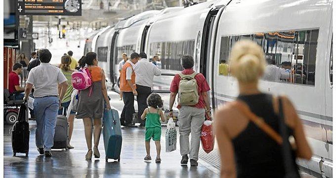 Los usuarios de tren podrán comprobar el estado de la red ferroviaria mediante una 'app' en su móvil