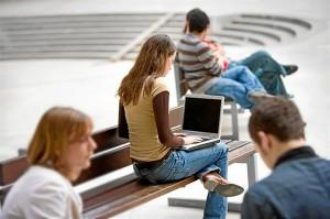 La herramienta ayuda a conocer el rendimiento de los estudiantes. / Foto: Franz Pfluegl