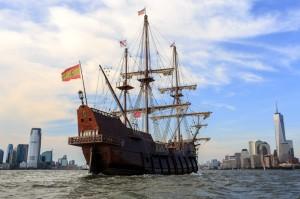 El galeon Andalucía en Nueva York.
