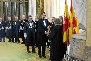 El Rey Felipe VI durante su recepción por el presidente del Tribunal Supremo y la Sala de Gobierno. / Foto: www.poderjudicial.es