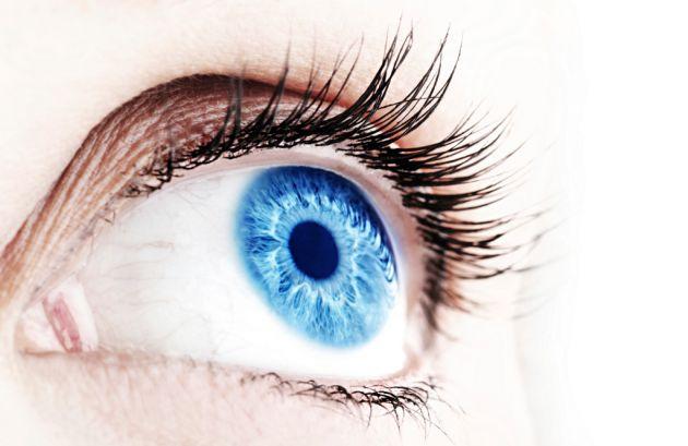 Desarrollan las primeras lentillas que protegen contra la fototoxicidad