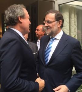 Jesús Terciado trasladando a Rajoy el contenido de la reunión en China