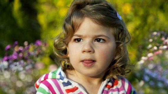 Cúllar Vega organiza un torneo benéfico para ayudar a caminar una niña de tres años con parálisis cerebral