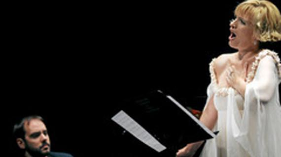 Salamanca acoge un recital lírico de Ainhoa Arteta con Rubén Fernández al piano