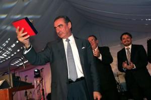 Carlos Herrera recogió su premio.