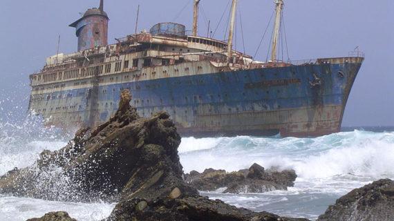 El SS América, el trasatlántico estadounidense que duerme bajo las aguas de Fuerteventura