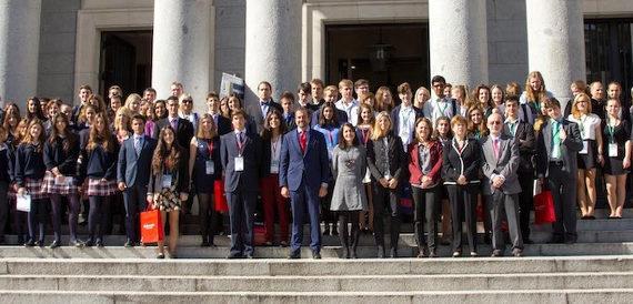 Unos 80 jóvenes de 10 países han participado en el congreso científico INVESTIGA I+D+I