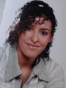 La joven retenida en Tinduf por sus padres biológicos escapa y espera regresar con su familia adoptiva