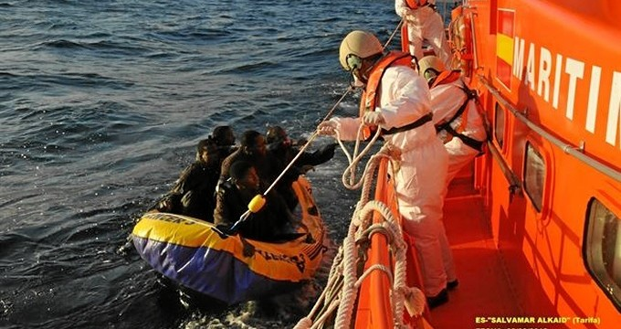 Rescatadas cuatro pateras en aguas del Estrecho