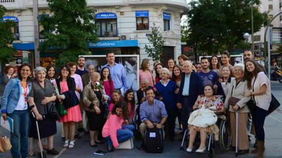 Voluntarios organizan sesiones de cuentacuentos para niños hospitalizados en Madrid