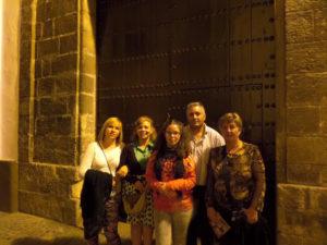 La familia de la joven acude cada año al convento de las Hermanitas de la Cruz de Sevilla en el aniversario de la muerte de María de la Purísima.