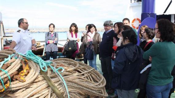 Un buque científico del Instituto Español de Oceanografía abre sus puertas en el puerto de Gandía