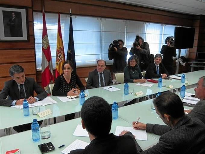 Reunión para abordar el futuro de Campofrío en Burgos. / Foto: Europa Press.
