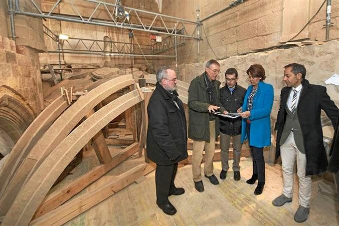 Visita a las obras de restauracion del claustro. / Foto: EP / Gobierno de Navarra.