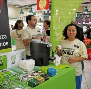 Stand de comercio justo. / Foto: www.oxfamintermon.org