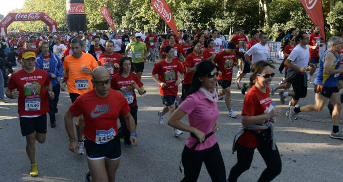 La cuarta carrera 'Corre por el niño' congrega a 7.000 personas para recaudar fondos destinados a investigación