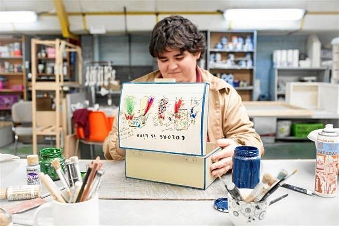 El costurero ha sido elaborado por miembros de la Fundación. / Foto: Fundación Carmen Pardo-Valcarce.