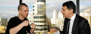 El chef David Muñoz, embajador turístico de Madrid junto a Ignacio González, presidente de la Comunidad de Madrid. / Foto: Marca España