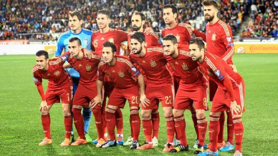 España se sustenta en la buena estrella de Isco para solventar con comodidad (3-0) el trámite ante Bielorrusia