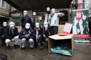 """Acto de Cáritas, """" Nadie sin hogar """". / http://www.caritas-santiago.org"""