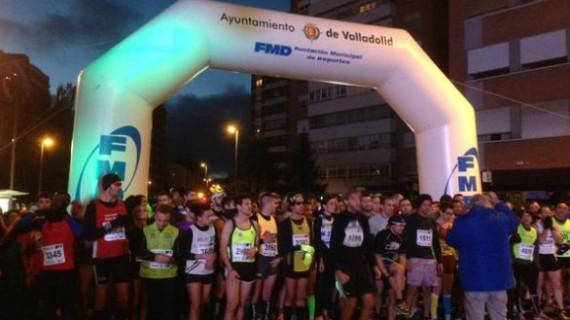 Cerca de 4.000 personas participan en la IV Carrera Popular Nocturna 'Ríos de Luz' por la Solidaridad