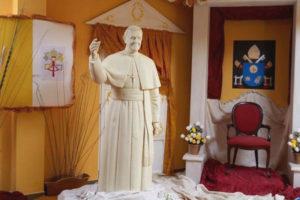 Escultura de chocolate del Papa Francisco. / Foto: @productogarrido