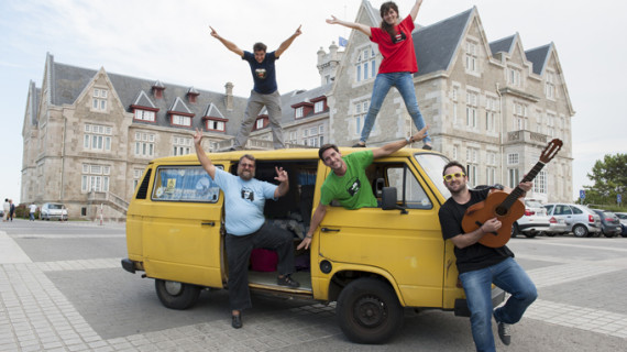 The Big Van Theory, una 'caravana' de científicos españoles que recorre el mundo con sus monólogos de ciencia y humor