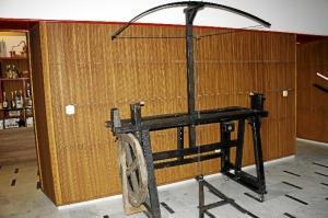 El torno de ballesta es otra de las piezas históricas únicas de este museo.